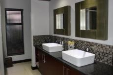 En-suite bathroom with double vanity