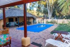 Swaynehuis pool and lapa