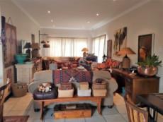 Open plan living arreas with sliding doors to the garden