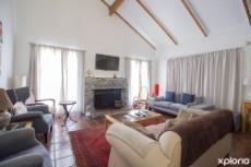 Second lounge/ breakfast room.