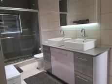 En-suite bathroom to the 3rd & 4th bedrooms