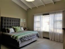 Beautiful main bedroom fits king size bed and fitted with blinds