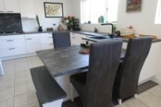Nobilia kitchen with breakfast counter