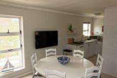 Living area & kitchen flat 1