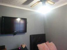Ceiling fan in 2nd bedroom