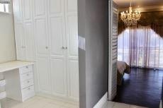 Guest bedroom dressing room