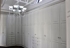 Main bedroom dressing room
