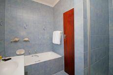 2nd Main En-suite Bathroom