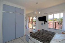 1st Main En-suite Bedroom