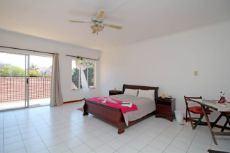 2nd Main En-suite Bedroom