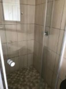 En-suite Bathroom B&B