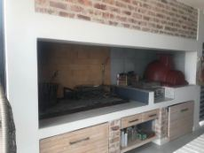 BBQ Area  - Pizza Oven - First floor