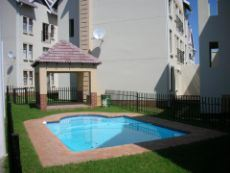 Sparkling pool with braai area