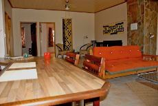 Bungalow lounge/dining area