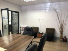 Offices To Let in Clubview