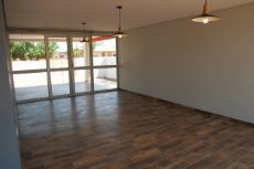 Open plan lounge/dining area