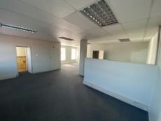 155m2 | TO LET | Irene