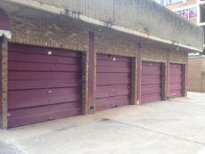 2xL?ck up garage