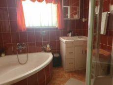 En-suite bathroom - 2nd bedroom