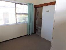 Main en suite Bedroom (with shower).