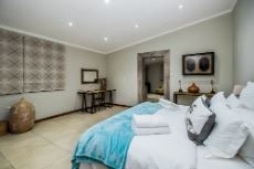 Main Lodge bedroom 6