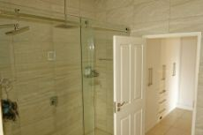Double shower, double basin & bath