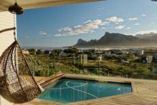 Splash pool on 38m² ocean facing deck
