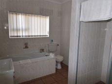 Ground Floor: Same 5th en suite Bedroom ((with bath & shower).