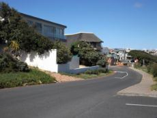 More upmarket Houses - in the direction of Gansbaai.