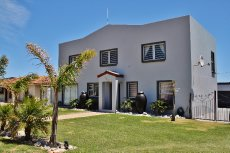 5 Bedroom House for sale in Pringle Bay 718699 : photo#0