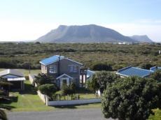 3 Bedroom House for sale in Kleinbaai 772178 : photo#1