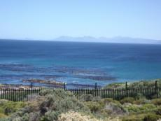 Ocean view to the front  -  with the Hermanus & Betty