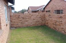 3 Bedroom Townhouse for sale in Komati 856087 : photo#6