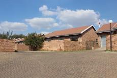 3 Bedroom Townhouse for sale in Komati 856087 : photo#5