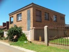 4 Bedroom House for sale in Evaton West 922979 : photo#0