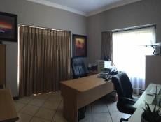 4 Bedroom House for sale in Midfield Estate 982200 : photo#20