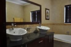 4 Bedroom House for sale in Midfield Estate 982200 : photo#30