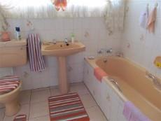 3 Bedroom House for sale in Claremont 987712 : photo#17